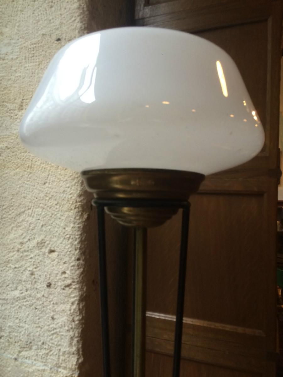 lampadaire vintage tripode avec globe