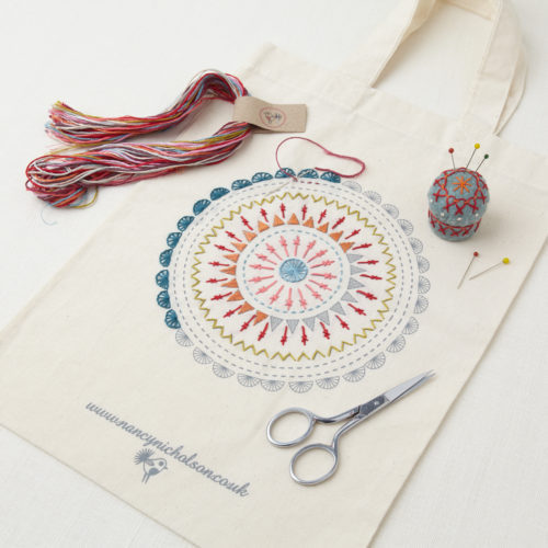 kit broderie traditionnelle