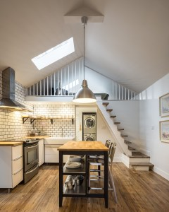 An image of the loft area for 61 Shannon St (Loft) in Trinity- Bellwoods Toronto