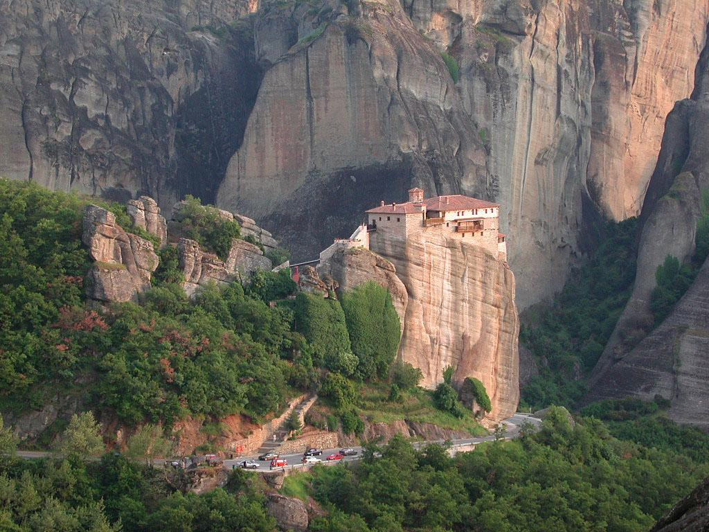 https://i0.wp.com/www.brodyaga.ru/pages/photos/Greece/Meteora%20Greece%201138423215.jpg