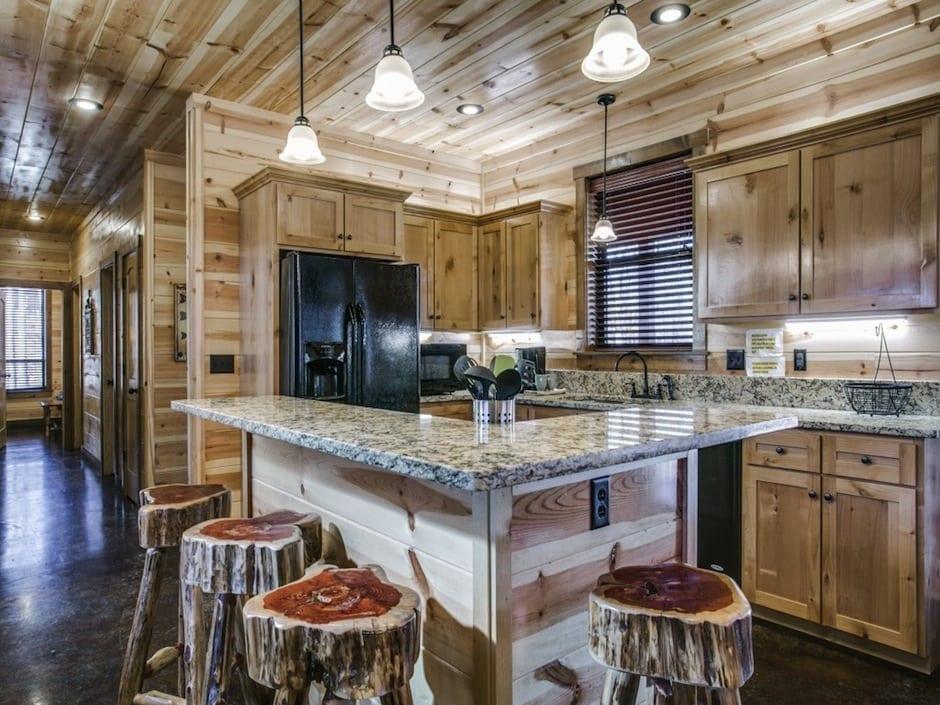 Broken Bow Vacation Cabins Coyote Creek Kitchen Island