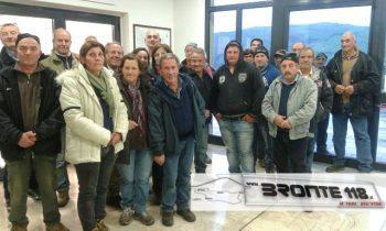 MANIACE: PROTESTA DEI FORESTALI IN SALA CONSILIARE -LE FOTO