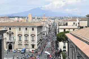 CICLISMO: PARTE IL GIRO DI SICILIA, LE FOTO DA PIAZZA DUOMO