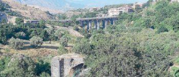 RANDAZZO: IL FASCINO DELLE BALZE SULL'ALCANTARA