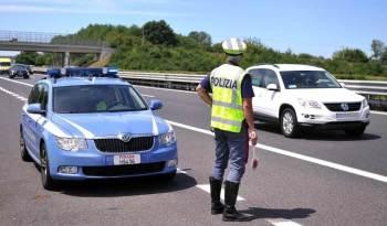 AUTOSTRADE E TANGENZIALI: CONTROLLI DELLA POLIZIA, BECCATI FURBETTI DELLA CORSIA DI EMERGENZA E DEL TELEPASS