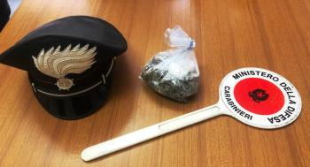 RANDAZZO, TROVATO CON UNA SORPRESA STUPEFACENTE: DENUNCIATO