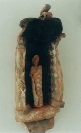 Small ceramic niche figure