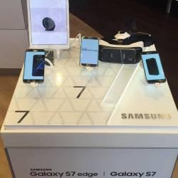 A Closer Look at the Samsung Galaxy S7 edge