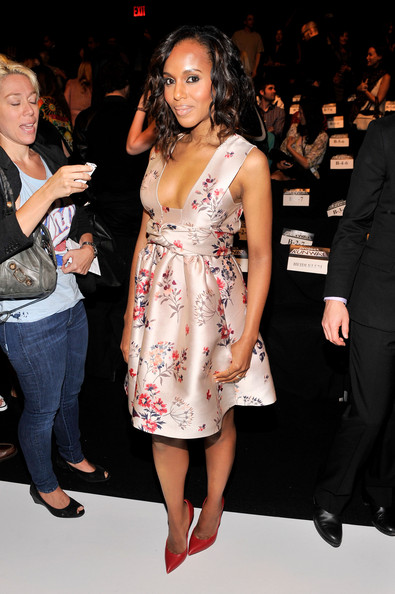 kerry-washington-project-runway-spring-2014-fashion-show-stella-mccartney-floral-print-dress (2)
