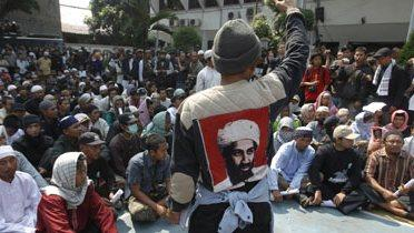 alqaeda_supporter001_16x9