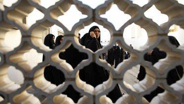 bahrain_mosque001_16x9