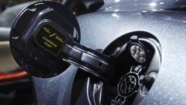 electric_car002_16x9