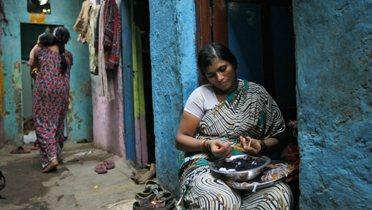 indian_women001_16x9