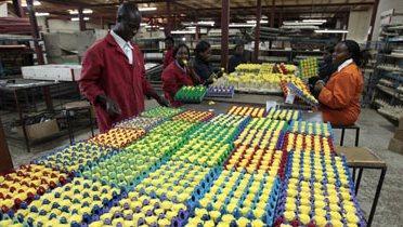 kenya_workers003_16x9