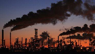 oil_refinery006_16x9