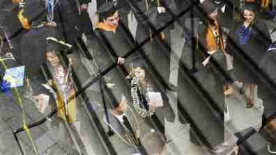 graduation_boxes001_16x9