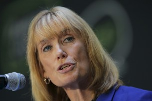 New Hampshire Governor Maggie Hassan speaks at the No Labels Problem Solver Convention in Manchester, New Hampshire October 12, 2015. REUTERS/Brian Snyder - RTS43ZV