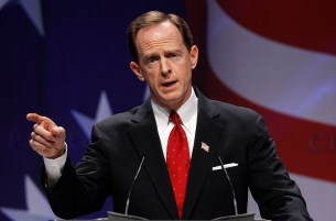 FILE PHOTO -- U.S. Senator Pat Toomey (R-PA) speaks to the 38th annual Conservative Political Action Conference meeting in Washington DC, U.S. February 10, 2011. REUTERS/Larry Downing/File Photo - RTSNYT5
