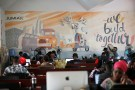 People work on computers at the online store Jumia in Ikeja district, in Nigeria's commercial capital Lagos June 10, 2016.REUTERS/Akintunde Akinleye - RTX2IUNQ