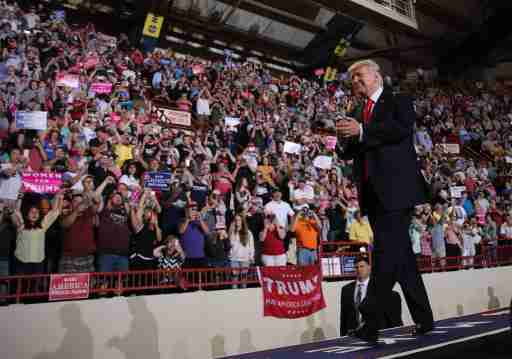 U.S. President Donald Trump leads a rally marking his first 100 days in office in Harrisburg, Pennsylvania, U.S. April 29, 2017. REUTERS/Carlos Barria - RTS14I3L