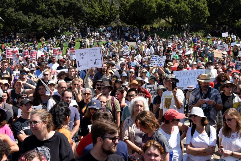 Counter protesters rally at a cancelled No Marxism in America event in Berkeley, California, U.S. August 27, 2017. REUTERS/Kate Munsch - RC1BDEE0B810