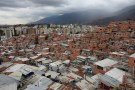 A general view of the slum of Petare in Caracas, Venezuela February 22, 2018. REUTERS/Marco Bello - RC18705A90F0