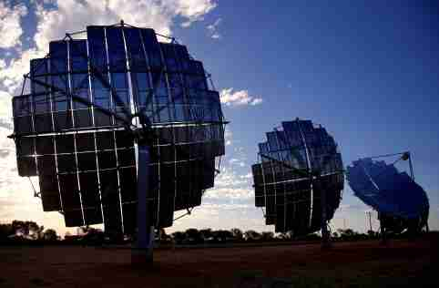 A solar panel array can be seen at the Windorah Solar Farm, which was installed by Ergon Energy, near the town of Windorah in outback Queensland, Australia, August 11, 2017. Picture taken August 11, 2017.   REUTERS/David Gray - RC181443EF20