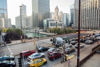 Photo: Traffic on a Chicago bridge