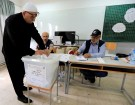 A Lebanese Druze man casts his vote at a polling station during the parliamentary election, in Aley, Lebanon, May 6, 2018. REUTERS/ Jamal Saidi - RC1A6824A420