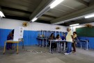 Brazilians cast their votes in a runoff election, in Rio de Janeiro, Brazil October 28, 2018. REUTERS/Sergio Moraes - RC1728DA9000