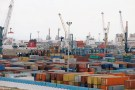 View of containers at a loading terminal in the port of Rades in Tunis, Tunisia August 15, 2018. REUTERS/Zoubeir Souissi - RC1E6B62C5F0