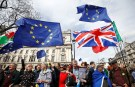 EU supporters, calling on the government to give Britons a vote on the final Brexit deal, participate in the 'People's Vote' march in central London, Britain March 23, 2019. REUTERS/Henry Nicholls - RC1CEFB39250
