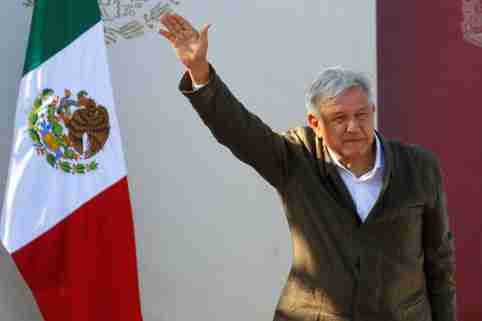 """Mexico's President Andres Manuel Lopez Obrador takes part in a """"unity"""" rally to defend the dignity of Mexico and talk about the trade negotiations with the U.S., in Tijuana, Mexico June 8, 2019. REUTERS/Jorge Duenes - RC11253BD980"""