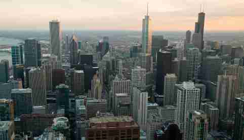 A general view of the city of Chicago, March 23, 2014.  REUTERS/Jim Young (UNITED STATES - Tags: CITYSCAPE SOCIETY) - GM1EA3O0WWG01