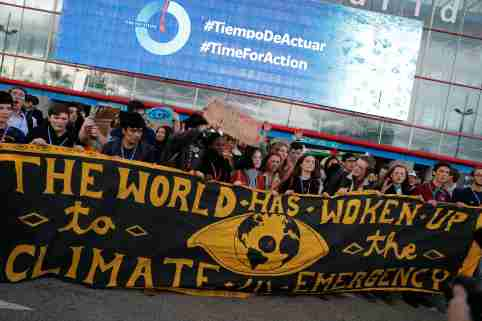 Climate activists take part in a Fridays for Future protest at the U.N. Climate Change Conference (COP25) venue in Madrid, Spain, December 13, 2019. REUTERS/Nacho Doce - RC2FUD9KUV6V