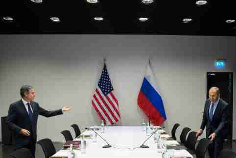 FILE PHOTO: U.S. Secretary of State Antony Blinken meets with Russian Foreign Minister Sergey Lavrov at the Harpa Concert Hall, on the sidelines of the Arctic Council Ministerial summit, in Reykjavik, Iceland, May 19, 2021. Saul Loeb/Pool via REUTERS