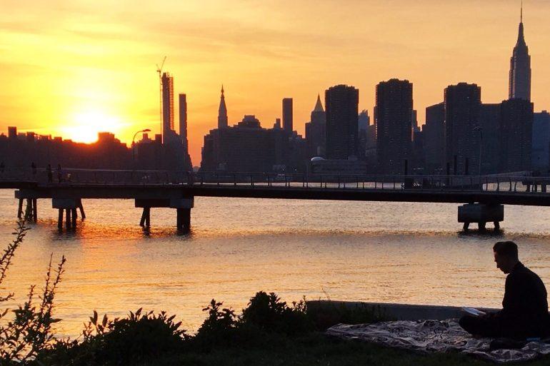 brooklyn_barge_sunset