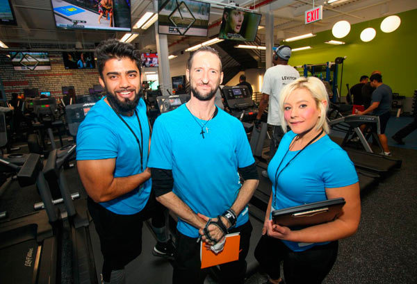 Beef Among Beefcakes Blink Fitness Opens In Sunset Park On Same Block As Old School Gym Riling Iron Pumpers Brooklyn Paper