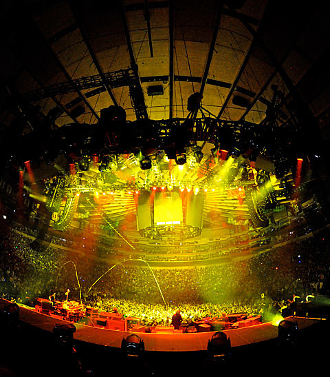Phish played 3 nights  MSG in NYC including New Years Eve pics video setlists  a flying