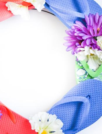 Summer Flip-Flops Wreath Craft Tutorial is a simple and frugal way to have a fun wreath on your door this summer. Very easy to create with this craft tutorial.