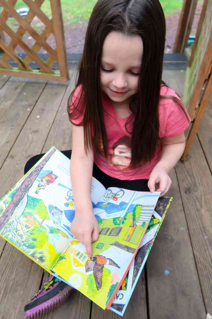 Outdoor learning books for the Pacific Northwest can be easy to come by. Check out this review on two new books, great for homeschooling.