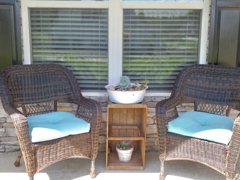 summer porch makeover with thrift challenge finds
