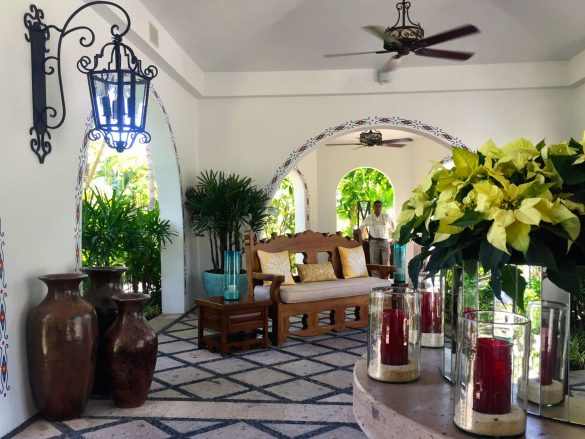 one-and-Only-Palmilla-Entrance-Laura-Bassett