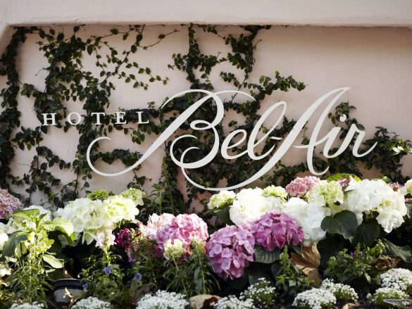 Hotel Bel-Air Sign