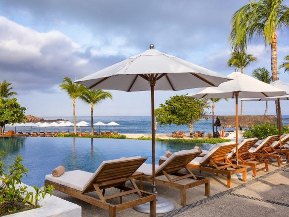 St-regis-punta-mita-Sea Breeze Pool-Med