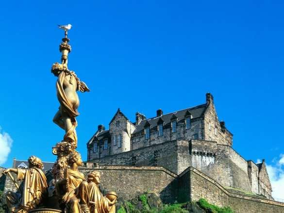 Scotland-Edinburgh-Castle_Virtuoso