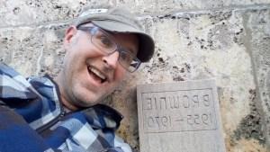 Eddie James visits Brownie's grave.