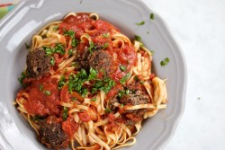 "Spaghetti and ""meatballs"" with tomato sauce"