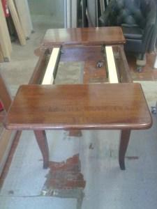 TA010 | Tavolo allungabile in massello di faggio