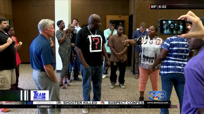 Protest Turns into Heated Debate at City Hall_23684167-159532